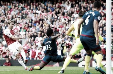 Arsenal vence West Ham no Emirates Stadium e conquista a primeira vitória na Premier League