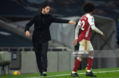 <div>Tottenham Hotspur v Arsenal - Premier League</div><div><br></div><div>LONDON, ENGLAND - DECEMBER 06: Arsenal manager Mikel Arteta gives instructions to Willian during the Premier League match between Tottenham Hotspur and Arsenal at Tottenham Hotspur Stadium on December 6, 2020 in London, United Kingdom. A limited number of fans are welcomed back to stadiums to watch elite football across England. This was following easing of restrictions on spectators in tiers one and two areas only. (Photo by Visionhaus)</div>