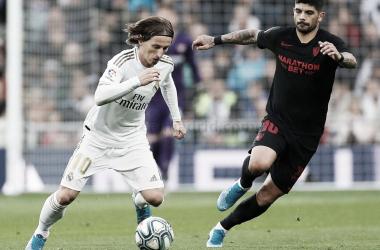 Imagen de Luka Modric disputando un encuentro frente al Sevilla| Fuente: Real Madrid C.F