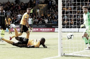 Com gol irregular, Wolverhampton garante empate contra Manchester City