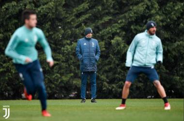 Max Allegri durante uno degli ultimi allenamenti settimanali.   JuventusFC, Twitter.