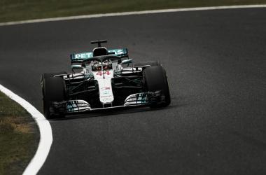 Hamilton transitando el sector medio en Suzuka | Foto: Fórmula 1