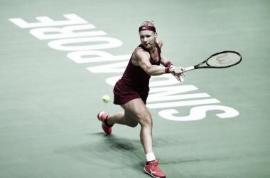 Bertens, pegando un revés con slice. | Foto: WTA