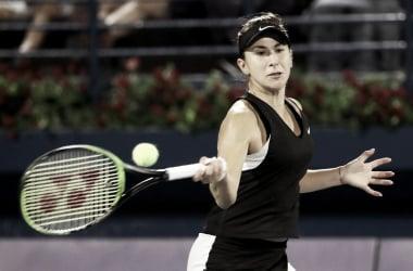 Bencic pegando su drive a media altura | Foto: WTA