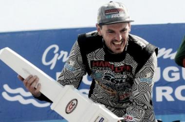 Di Palma, con el trofeo en sus manos   Foto: ACTC