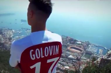 Aleksandr Golovin durante il video con cui il Monaco lo ha presentato sui social. | @ASMonaco, Twitter.