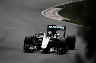 Hamilton dominó el viernes | Foto: Fórmula 1