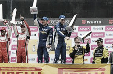 Los pilotos en el podio | Foto: Súper TC 2000