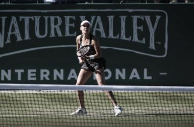 Radwanska, en acción ante Ostapenko | Foto: WTA