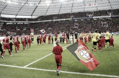 L'ingresso in campo dello scorso Bayer Leverkusen-Borussia Dortmund. | bayer04.de