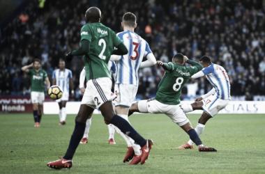 Il gol di Rajiv Van La Parra, decisamente il migliore del pomeriggio per estetica.   Huddersfield Town, Twitter.