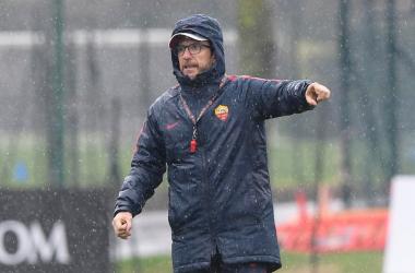 Eusebio Di Francesco durante l'allenamento di ieri. | AS Roma, Twitter.
