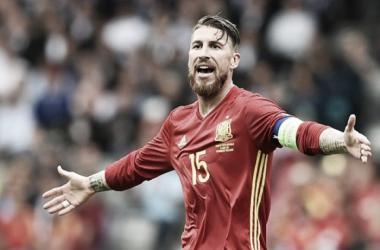 Eurocopa en blanco: Sergio Ramos tiró del carro español