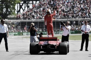 Vettel celebrando sobre su Ferrari | Fórmula 1