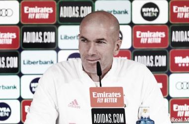 Zidane en rueda de prensa previa al partido frente a la Real Sociedad| Fuente: Real Madrid C.F