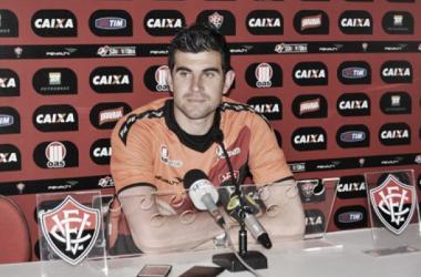 Fernando esteve no Vitória em 2013 mas não atuou entre os titulares (Foto: Divulgação/EC Vitória)
