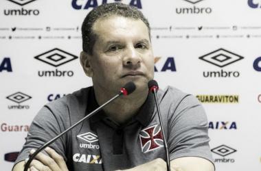 """Feliz pela nova oportunidade, Celso Roth comemora o acerto com o Vasco:""""É uma satisfação"""""""