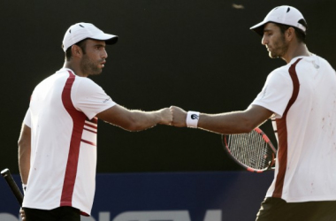 Juan Sebastián Cabal (izquierda) y Robert Farah celebran la victoria. Foto: Archivo ATP