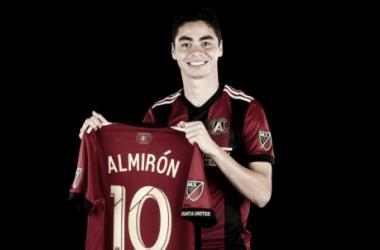 Miguel Almirón: la camiseta más vendida de la temporada