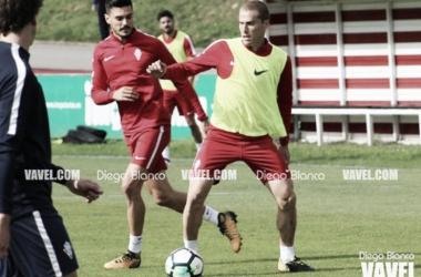 Álex Bergantiños en una sesión de entrenamiento. | Imagen: Diego Blanco-VAVEL.
