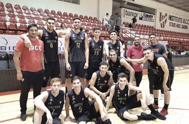 El equipo de instituto luego de su sexta victoria | Foto: La Liga Nacional