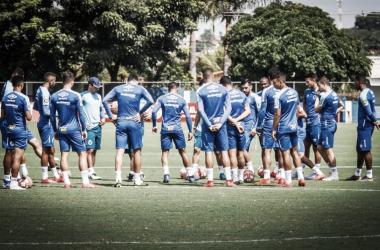 De olho na vice-liderança do Mineiro, Cruzeiro recebe a Caldense no Mineirão