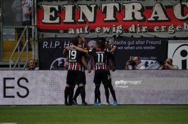 Eintracht Frankfurt players celebrate Martin Hinteregger's goal against Hoffenheim in the Bundesliga (Getty Images/TF-Images)