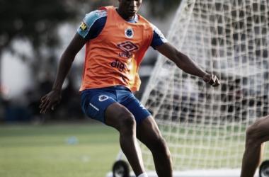 Orejuela é convocado pela Colômbia e desfalca Cruzeiro na semifinal da Copa do Brasil