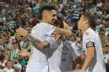 Diego Valdés anotó el gol más reciente entre estas escuadras. El chileno le dio la victoria a Santos en el TSM en la primera jornada (Foto: Veranea Cardona)