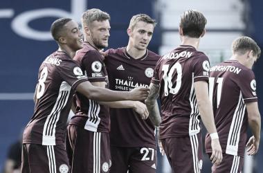 Vardy marca dois, Leicester resolve no segundo tempo e derrota West Bromwich na volta da Premier League