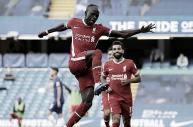 Liverpool sufoca Chelsea no segundo tempo, Mané faz dois e garante vitória na Premier League