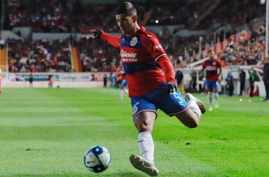 ¿Qué tanto afecta que Víctor Guzmán ya no vaya a jugar en chivas?