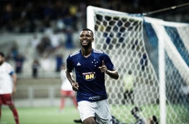 "Autor do segundo gol cruzeirense, Welinton comemora estreia no profissional: ""Sairemos dessa"""