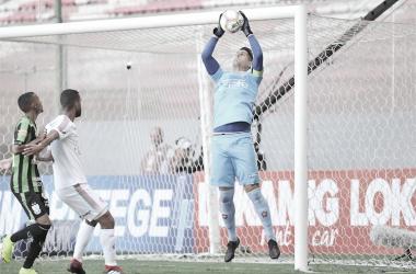 Exclusivo: Renan Rocha, goleiro do Boa Esporte, avalia campanha do time e projeta futuro