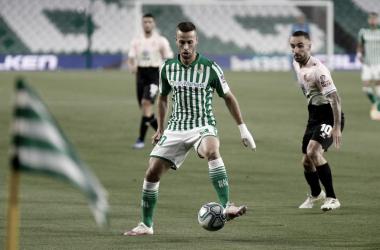 Betis vence Espanyol na estreia do novo técnico e quebra jejum em LaLiga