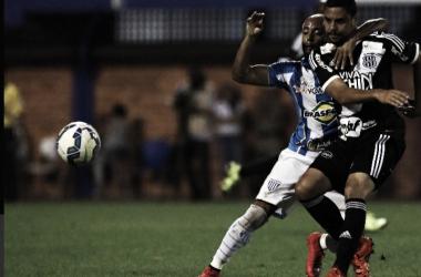 Após revés, Avaí recebe Ponte Preta para retomar caminho das vitórias na Série B