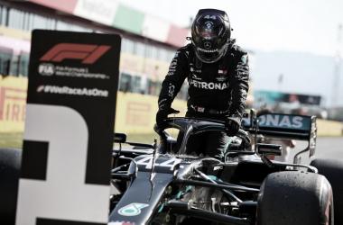 Hamilton crava pole 95 da carreira em Mugello, e Leclerc surpreende com a P5