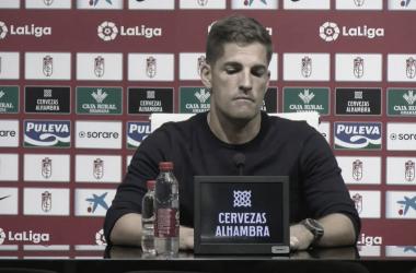 Robert Moreno durante la rueda de prensa. Foto: Captura Youtube - canal oficial del Granada CF