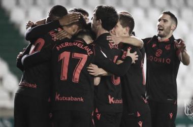 """Los jugadores """"txuri-urdines"""" festejan uno de los goles / Foto: Real Sociedad."""