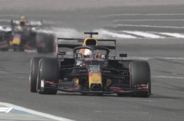 Verstappen rodando en los libres 1. Foto: F1