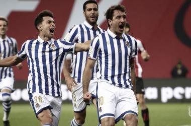 Los jugadores de la Real festejan el tanto de la victoria. / Foto: Real Sociedad.