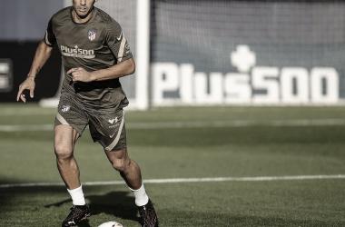 El uruguayo se podría perder hasta tres duelo con el Atlético de Madrid. /Twitter: Luis Suárez oficial