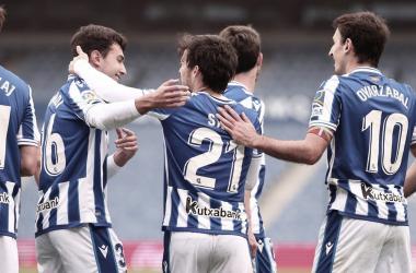 Silva y compañía celebran el tanto del canario / Foto: Real Sociedad.