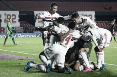 São Paulo goleia Sporting Cristal e se classifica em segundo na Libertadores