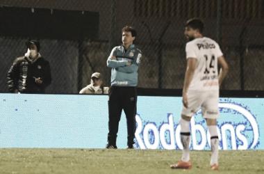 """Fernando Diniz valoriza vitória do Santos sobre Cianorte: """"Time muito intenso"""""""