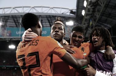 Holanda 3 a 2 Ucrânia (UEFA / Divulgação)