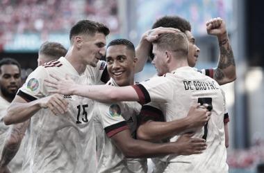 De Bruyne selló el pase de los diablos rojos a la siguiente ronda. /Twitter: UEFA Euro 2020