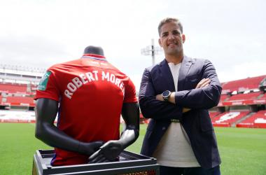 &nbsp;<strong>Robert Moreno en su presentación con el Granada CF | Foto: Pepe Villoslada / Granada CF</strong>