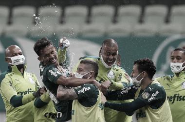 Duas viradas, show de Scarpa e gol salvador de Breno Lopes: Palmeiras vence Bahia de forma agonizante