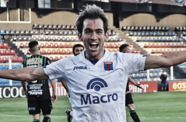 Protti se llena la garganta de gol (Foto: Tigre Oficial).